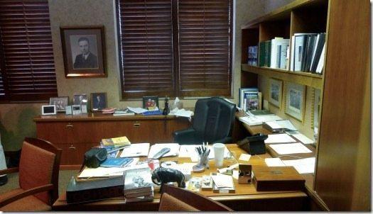Warren Buffett's Desk